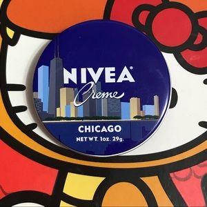 Chicago Nivea Creme